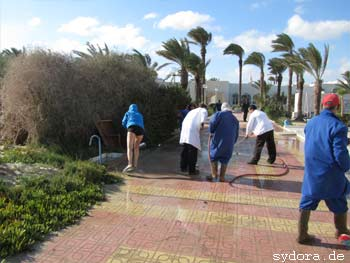 Hilfe nach Sturmflut auf Djerba
