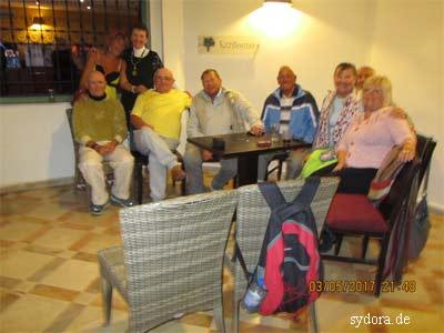 Internationale Gruppe im Hotel