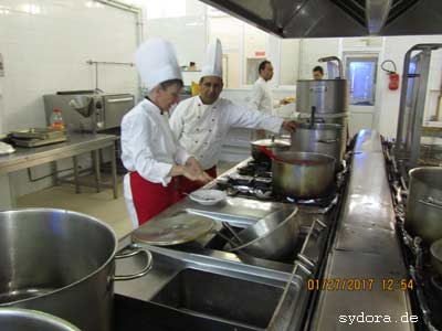 Erfahrungsaustausch in einer tunesischen Hotelküche