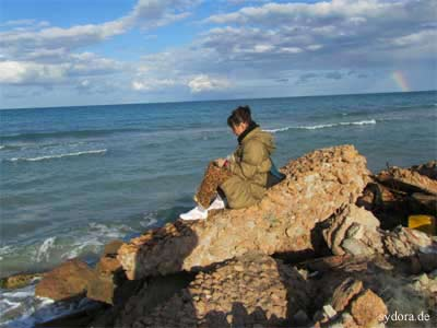 Frau Sydoriak am Mittelmeer