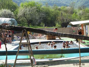Thermalbad in Velyatyn, von außerhalb aufgenommen 2011